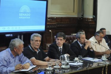 Ganancias: Gobernadores, opositores y CGT piden a Macri mesa de diálogo 1