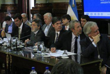 Sin dictamen en Senado, Gobierno logró aplazar debate por Ganancias