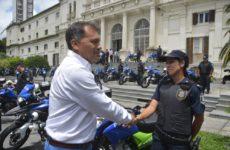 Moreno recibe equipamiento para la prevención del delito