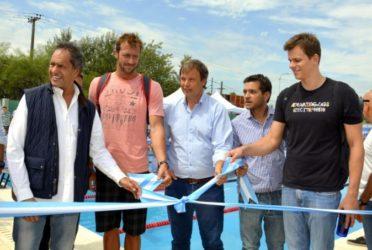 Scioli y Cascallares inauguraron un natatorio municipal en Almirante Brown