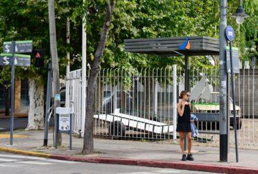 San Fernando renueva refugios y paradas de colectivos